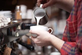 «Люблю кофе»: в центре открылась кофейня, которую создавали всем городом