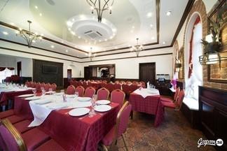 Фотофакт: ресторан «Петров Двор» аристократия в центре