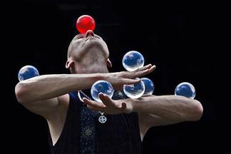 Школа жонглирования в ТЦ «КИТ» приглашает на бесплатное занятие!
