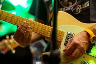 Живая музыка в барах и пабах Екатеринбурга. Где играют гаражный рок, джаз, акустику и не только?