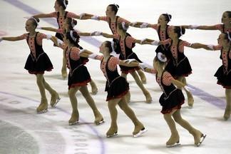 Команды Екатеринбурга стали лучшими на Кубке области по синхронному катанию на коньках