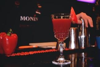 Рецепт от «Brut bar»: готовим коктейль «Болгаро Тини»