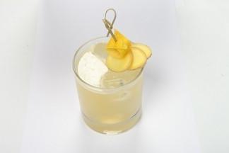 Рецепт коктейля от бар-менеджера кафе-бара «Pan American 8`500»