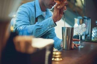 Рецепт от бармена «Штаба»: готовим коктейль «Pacha»