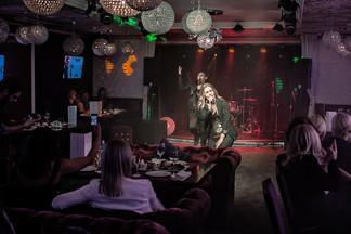 Качественный звук, профессиональные артисты, роскошный интерьер и многое другое о караоке-клубе «Артист»