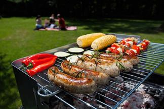 Пикник с доставкой: заказываем выездной бар и барбекю с обслуживанием