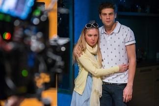 Актеры сериала «Беглые родственники»  Жанна Эппле и Дмитрий Ендальцев рассказали, как проходили съемки