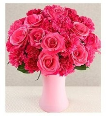 """Букетик 66 Букет из цветов """"Розы из Гвоздики"""""""