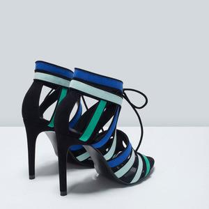 ZARA Комбинированные босоножки на каблуке - фото 4