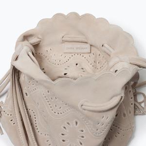 Сумка ZARA Кожаная мини сумка-мешок с ажурным узором - фото 3