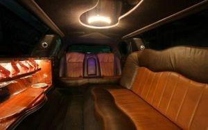 Импрессарио Limo Lincoln Town Car - фото 2